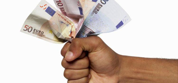 Bezuinigen boven verhogen belastingen