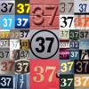 Diverse aanduidingen waarop 37 wordt weergegeven