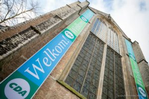 CDA was écht welkom in Alkmaar met de mooie banners op de kerk.