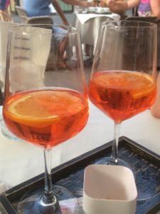 Genieten van een drankje in Levico Terme