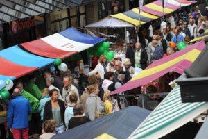 CDA Huizen actief bij de kraam op de Huizerdag.