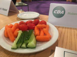 Afbeelding van bord met groente en fruit